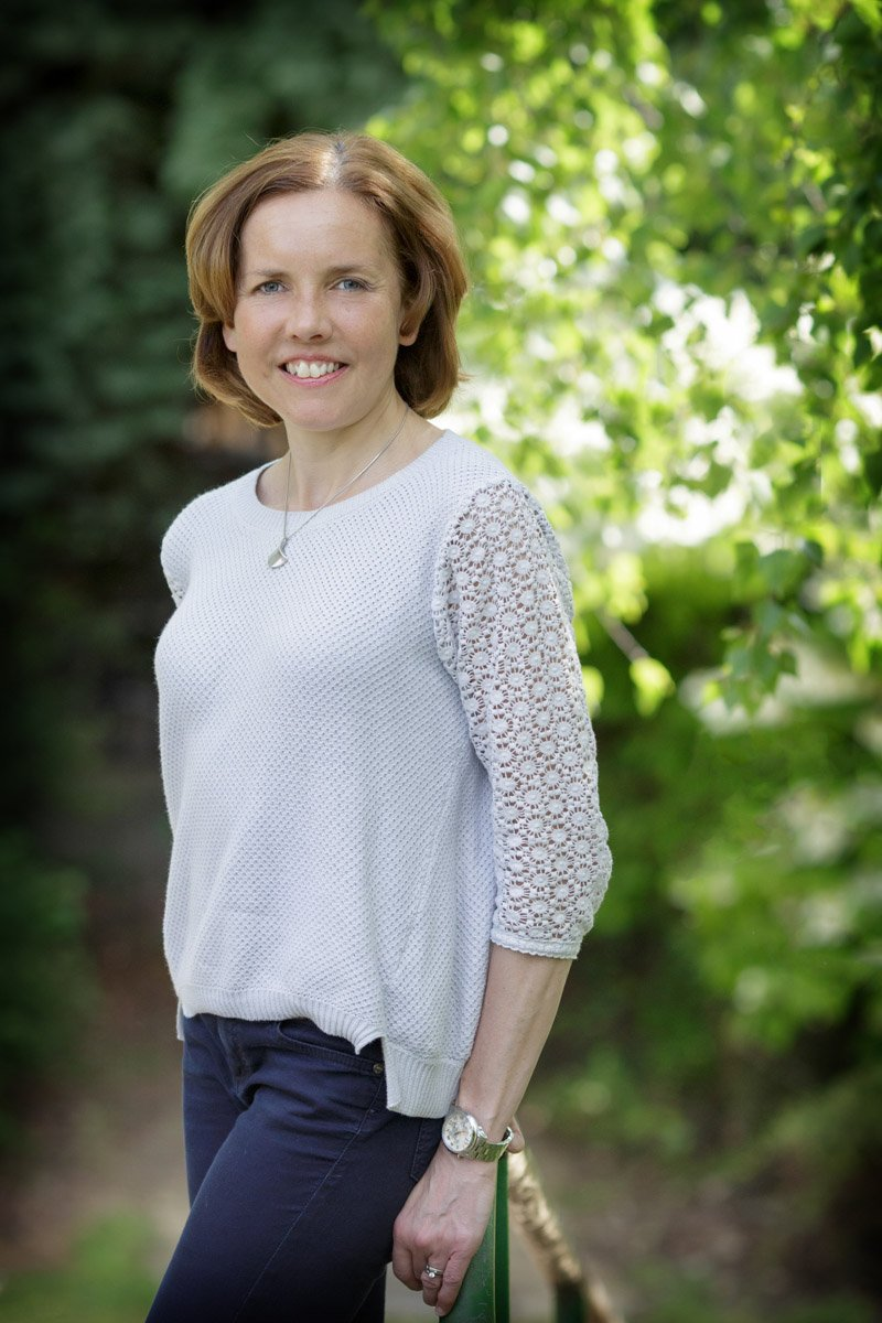 headshot photography nottingham of business woman