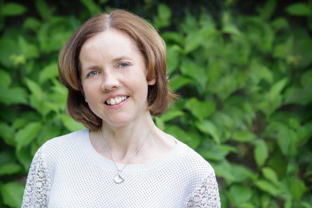 headshot photography nottingham of female author
