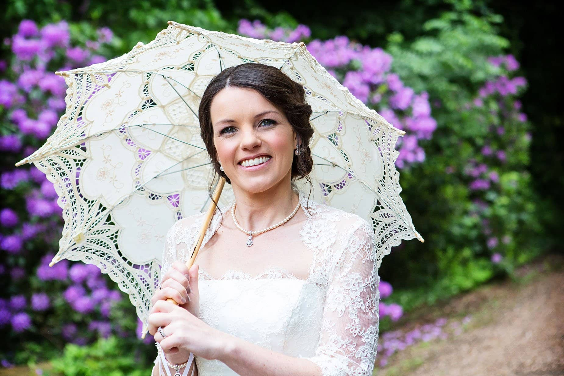 bride with parasol natural wedding photography nottingham