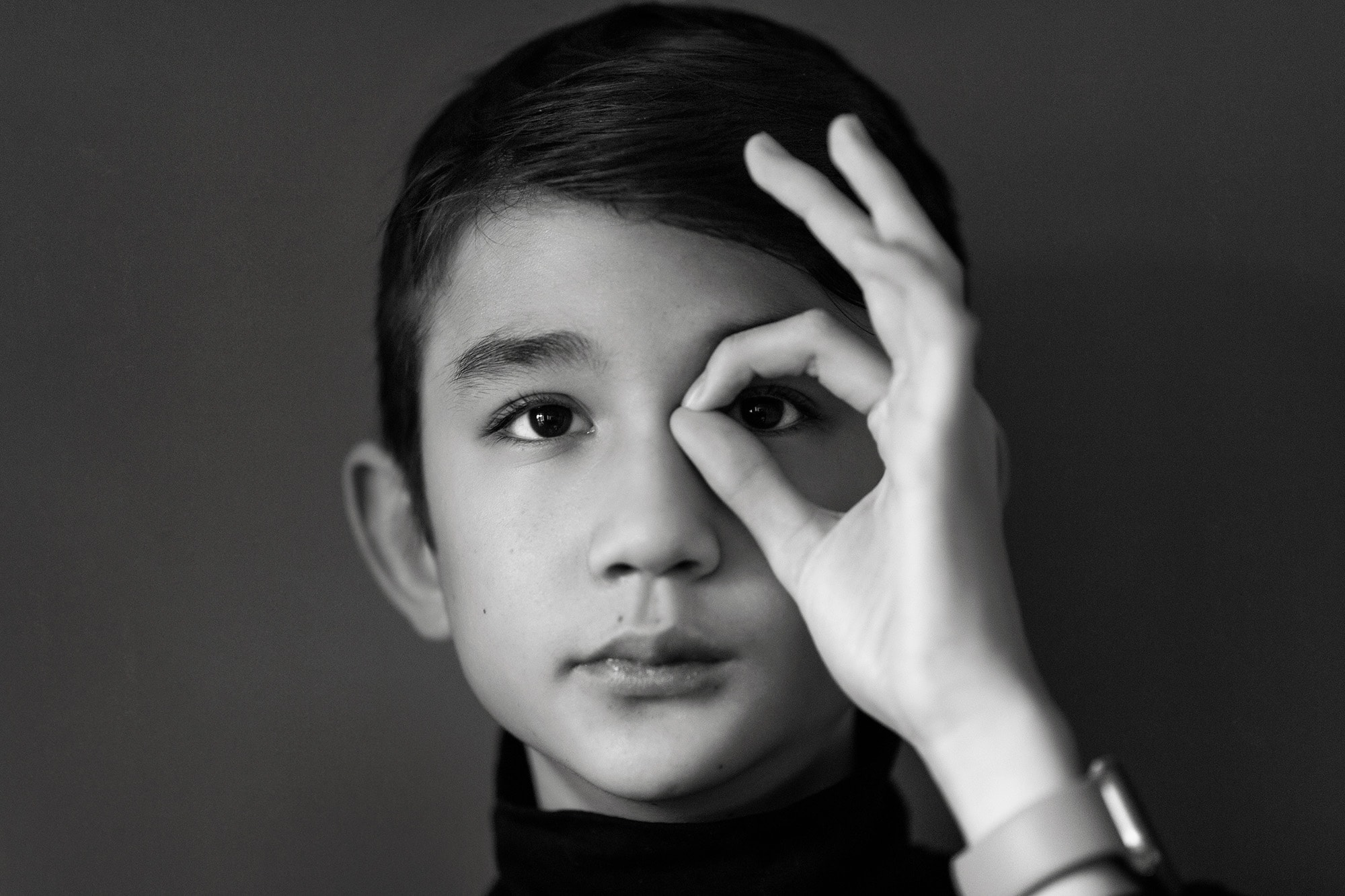 black and white photo of boy by Portrait photographer nottingham